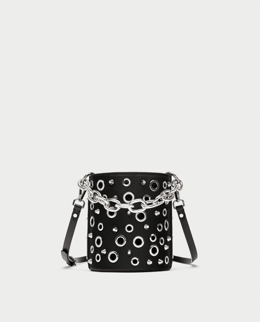 Site officiel haute couture design distinctif Sac seau à oeillets et chaînes Zara - La Grande Mode
